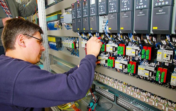 How to Find Industrial Electronic Services from the Best Company